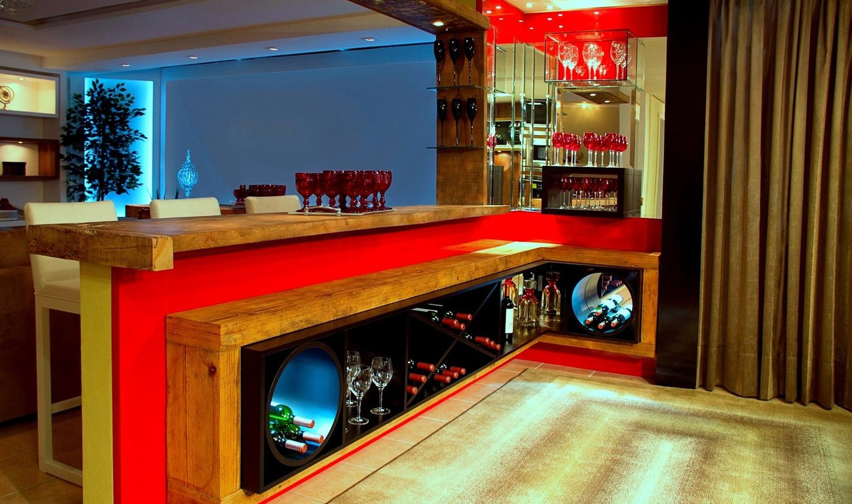 Bar divisória com adega