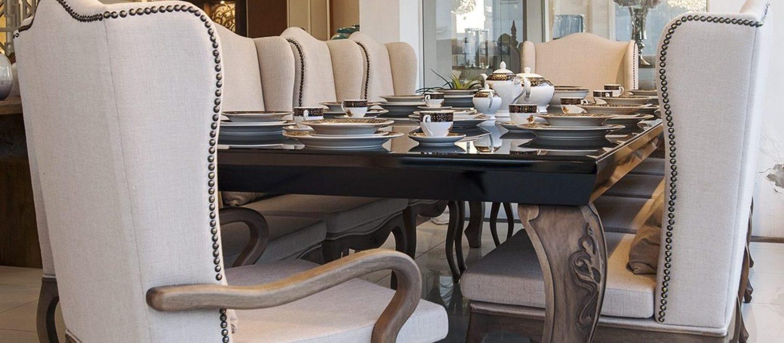 Mesas e cadeiras de Jantar