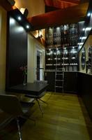 Hotelaria de luxo aposta em móveis personalizados